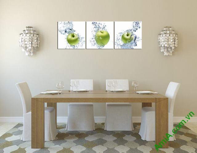 Tranh quả táo xanh và nước treo tường phòng ăn amia 312 hợp tuổi Nhâm Tý theo phong thủy