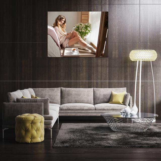 Một số lưu ý khi chọn tranh treo tường phòng ngủ hình cô gái