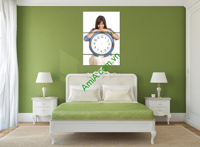 Tranh đồng hồ treo tường phòng ngủ hình cô gái Amia 138-01