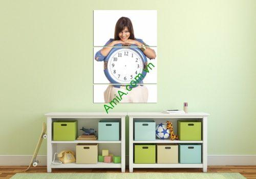 Tranh đồng hồ treo tường phòng ngủ hình cô gái Amia 138-02