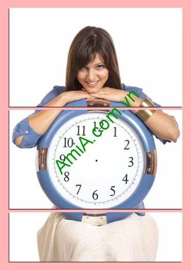 Tranh đồng hồ treo tường phòng ngủ hình cô gái Amia 138