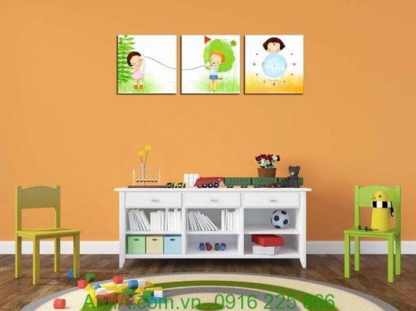 Hình ảnh Tranh đồng hồ treo tường phòng trẻ em hiện đại