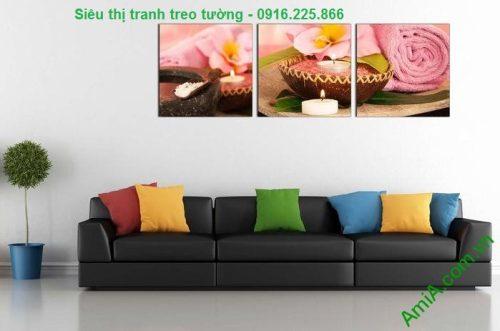 Hình ảnh Tranh treo tường spa đẹp nến khăn hồng treo phòng khách sang trọng