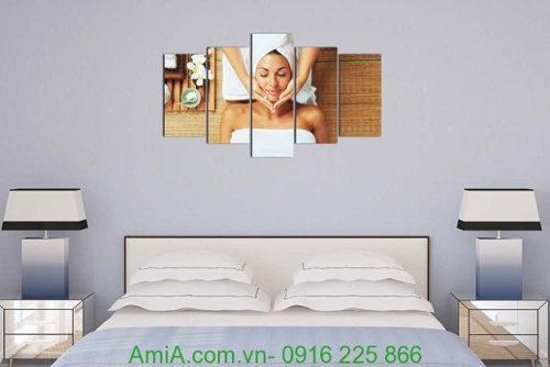 Hình ảnh Tranh treo tường spa khổ lớn hình cô gái massage treo phòng ngủ