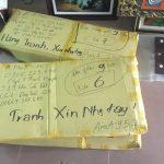 Huong dan mua tranh ghep treo tuong phong khach voi khach hang dang o xa