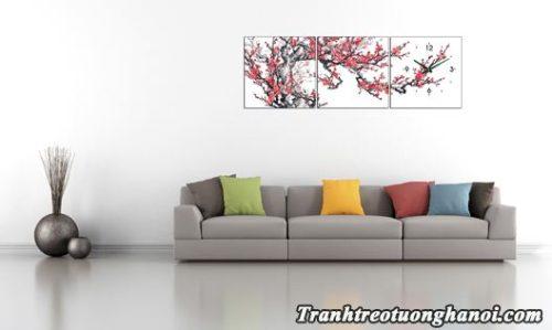 Tranh hoa dao mua Xuan treo tuong phong khach hien dai