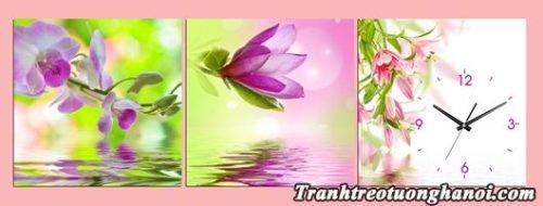 Tranh hoa tren nuoc treo tuong phong khach phong ngu
