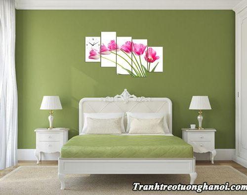 Tranh hoa tulip ghep bo treo tuong phong ngu dep