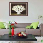 Bang gia tranh phong thuy binh hoa cuc treo tuong phong khach dep