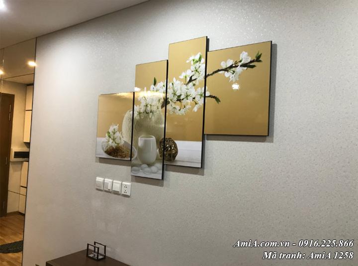 Tranh treo tường phòng ăn đẹp hiện đại thực tế bình hoa Amia 1258