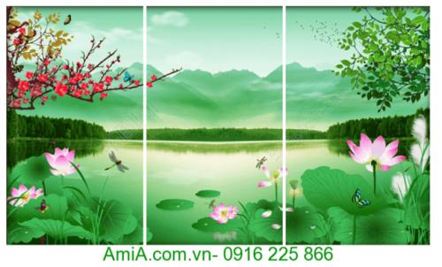 Treo tranh hoa Sen trong nhà ngay Tet la cau mong cuoc cho cuoc song binh yen tham tam nhe nhom