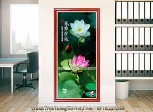 Tranh khung treo tuong hoa Sen kho doc Amia 1322