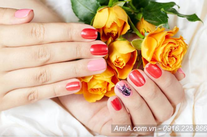 Hinh anh dep ve spa moi nhat lam nail AmiA ist-844170742
