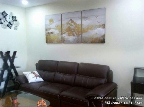 Tranh AmiA 1489 bộ 3 tấm núi vàng treo thực tế nhà khách hàng