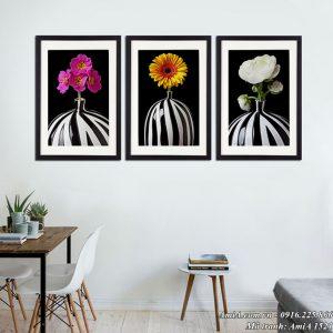 Hình ảnh bình hoa đen trắng treo tường hiện đại AmiA 1521