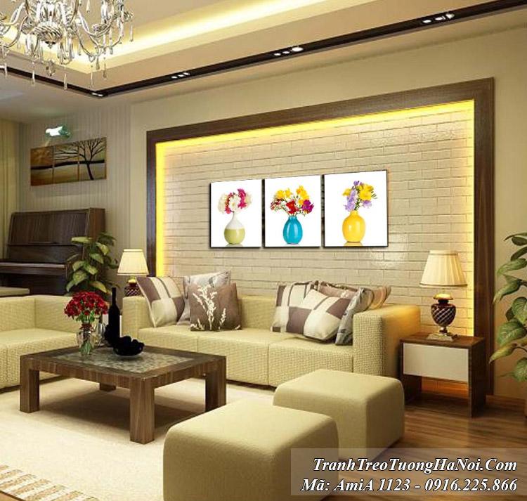 Amia 1123 là bộ tranh bình hoa 3 tấm hiện đại treo tường