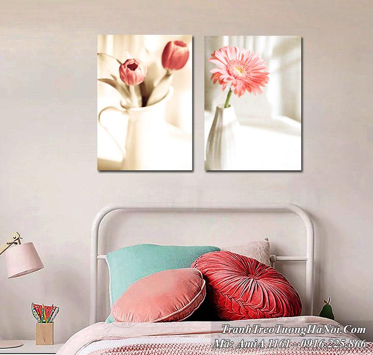 Tranh bình hoa 2 tấm hiện đại có gam màu trắng hồng
