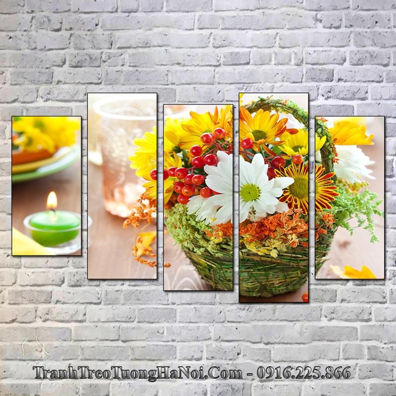 Tranh giỏ hoa và nến treo tường spa đẹp