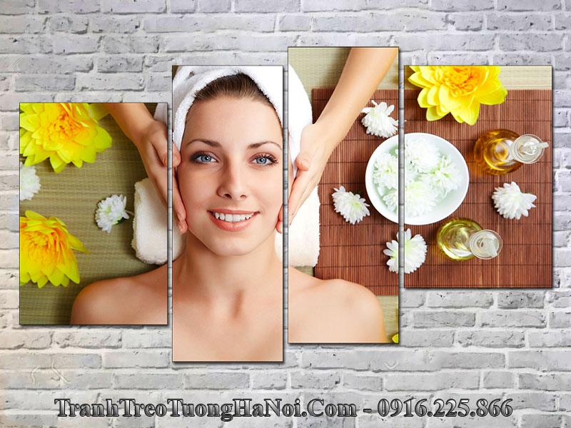 Tranh cô gái massage tại spa
