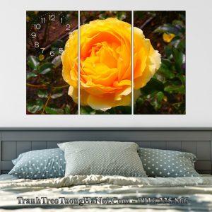 tranh hoa hong vang cam treo tuong phong ngu dep