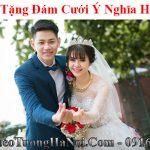 Tranh gi tang dam cuoi y nghia hanh phuc