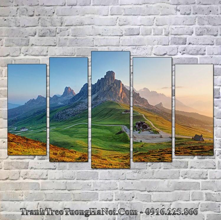 Tranh treo tường núi đồi cho mệnh Ốc Thượng Thổ