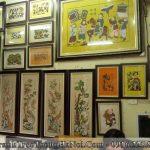 Goc trang tri tranh dan gian dong ho tai cua hang