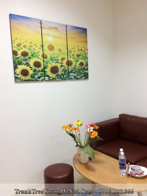 Tranh hoa huong duong treo phong giam doc dep y nghia