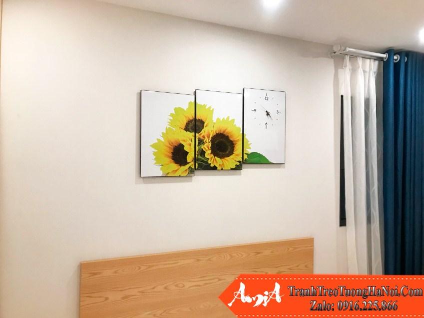 Tranh dong ho huong duong treo dau giuong phong ngu amia hd127