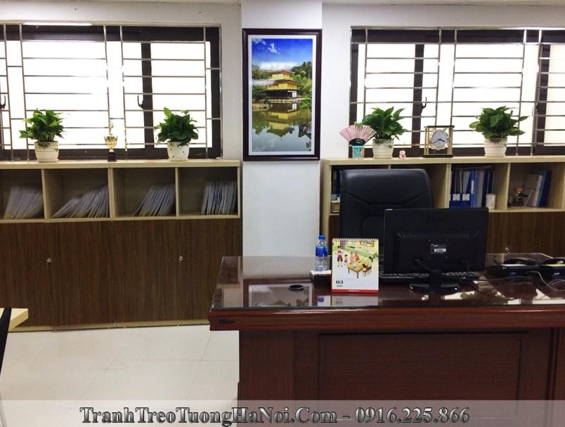 Tranh chua vang nhat ban trang tri van phong lam viec