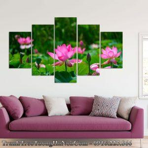 Tranh hoa sen amia 1259 treo tren ghe sofa phong khach dep
