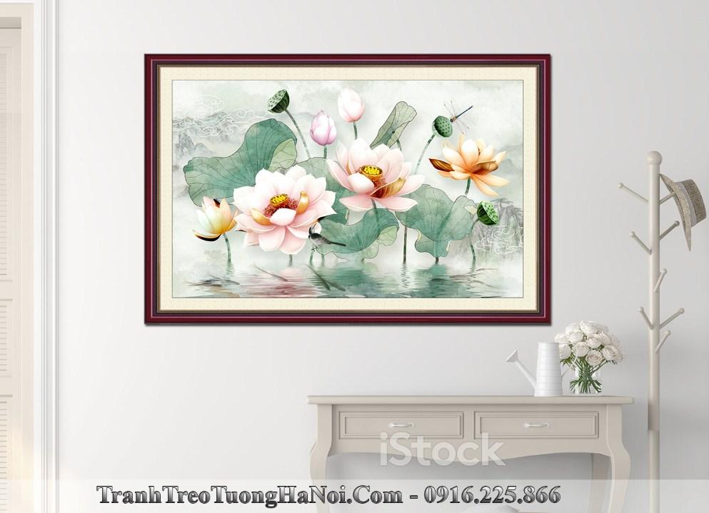 Tranh hoa sen gia son dau amia 1621 treo tren tu giay cua ra vao