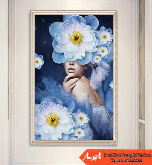 Tranh co gai hoa xanh canvas amia cv350