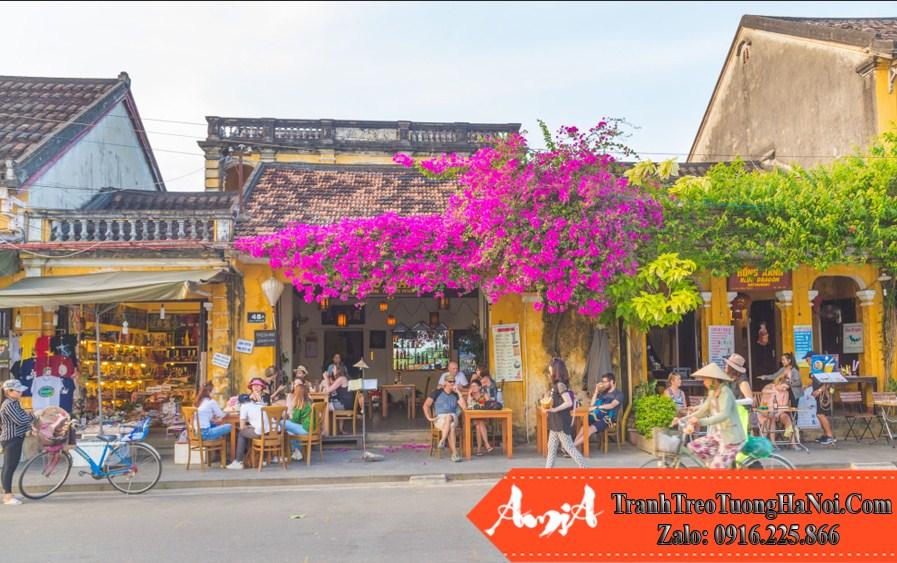 hình ảnh ngôi nhà với giàn hoa giấy lãng mạn tại hội an