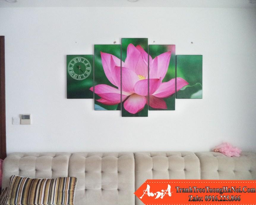 Mau tranh hoa sen dep treo tren ghe sofa phong khach amia 936 937