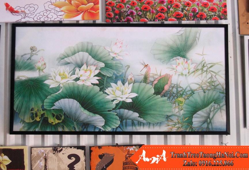 Buc tranh canvas hoa sen chuon chuon in gia son dau nghe thuat