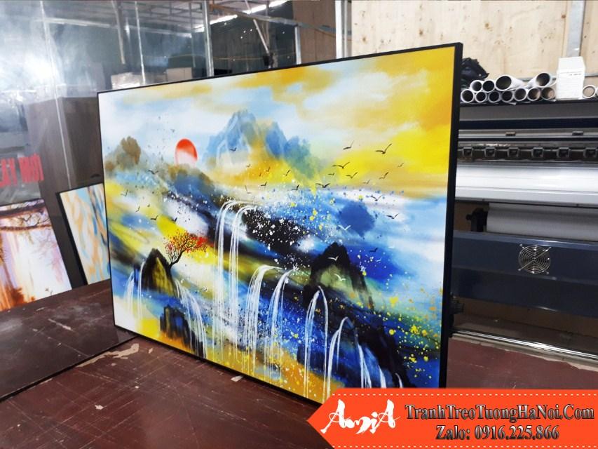 Tranh treo tuong canvas thac nuoc thuoc hanh kim thuy amia 1749