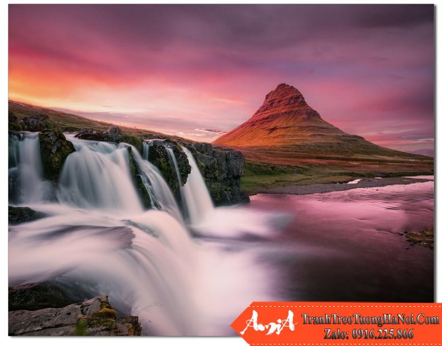 Thac nuoc dep luc hoang hon tren nui Kirkjufell Iceland Amia TN169